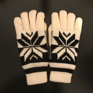 Nwt Women's Black And White Sherpa gloves